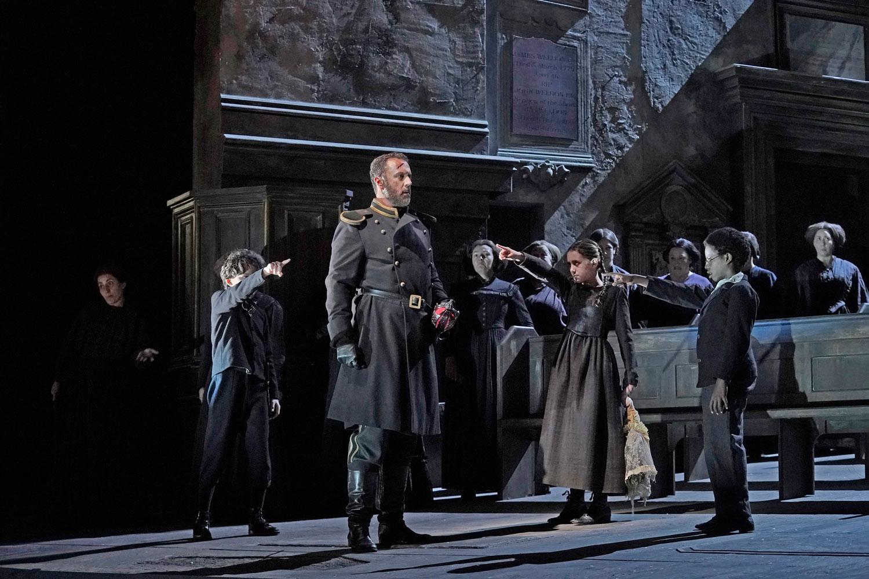 Christian-Van-Horn-as-Banquo